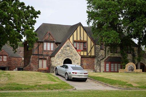 luxuious mansion
