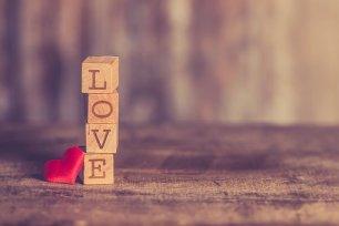 Blocks spell love